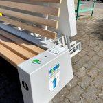 ławka solarnaz ologowaniem gminy lubniewice
